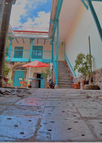Gaia House照片