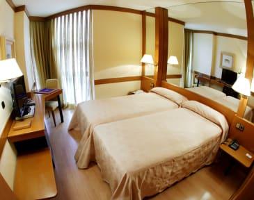Foton av Hotel AR Los Arcos