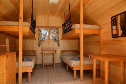 Fotografias de Eco-Wooden Houses Camping Montana Roja