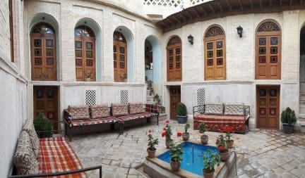 Foton av Sepehri Traditional House