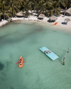 Foton av Mistica Island