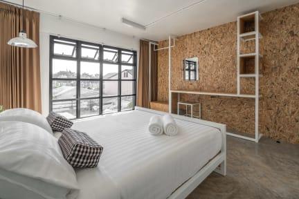 Baan Phuen Hostel & Rooftop Bar의 사진