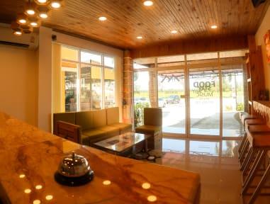 Baan URT Surat Thani Airport Hotelの写真