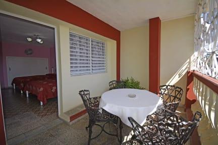 Photos of ECONOMICO - CENTRICO Y CUBANO