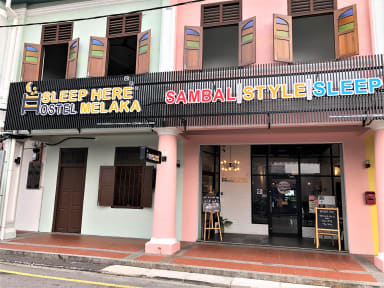 Sleep Here Hostel Melaka의 사진