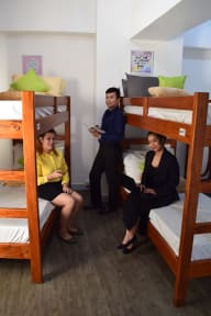 V-ROOMS Hostel Makati의 사진