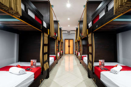Fotos von RedDoorz Hostel near Trans Studio Mall