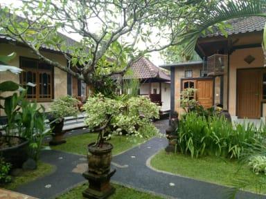 Suryadina Guesthouseの写真