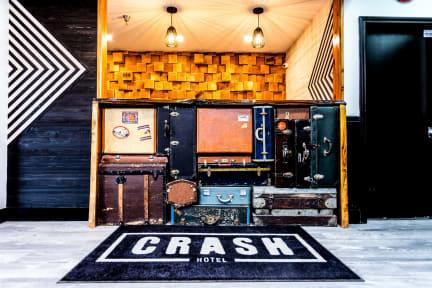 Kuvia paikasta: Crash Hotel