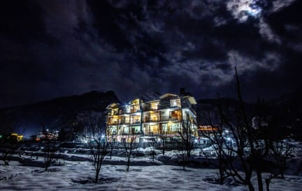 Foto's van Hotel Mountain Face by Snow City Hotels
