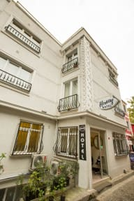 Foton av Honey Hotel