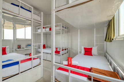 RedDoorz Hostel @ Jalan Bugisanの写真