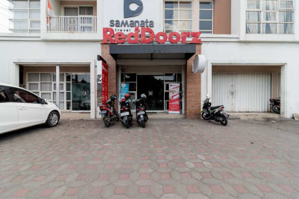 Photos de RedDoorz Hostel near Hartono Mall Jogja