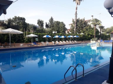 Corfu Garden Hotel照片