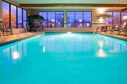 Photos of Norwood Inn and Suites Eagan