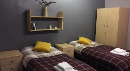 Foto's van Victoria Building Hostel