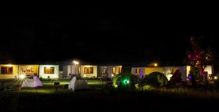 Moustache Gypsy Camps의 사진