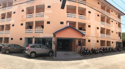 Фотографии Watcharee Apartment
