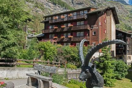 Hotel Alpinaの写真