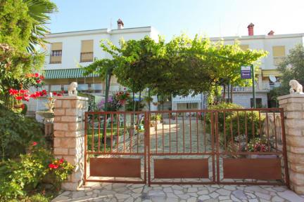 Photos of Paradiso Apartments