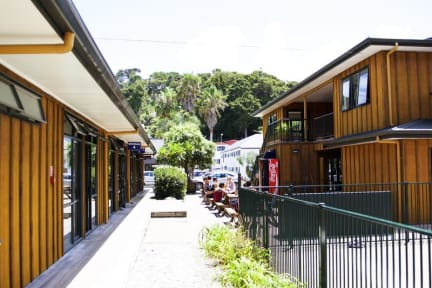 Photos of Bay Adventurer Apartments and Backpackers Resort