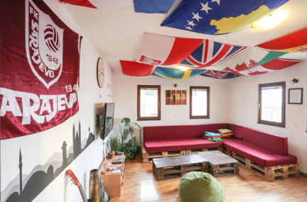 Foto's van Haris Youth Hostel