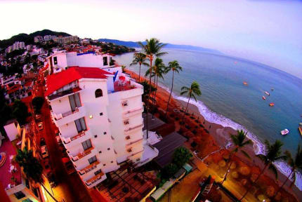 Fotky Emperador Vallarta Beachfront Hotel and Suites