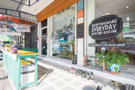 Fotos von Sleep Sheep Phuket Hostel & Cafe'