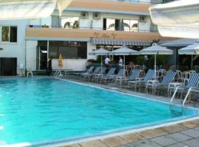 Photos of San Remo Hotel