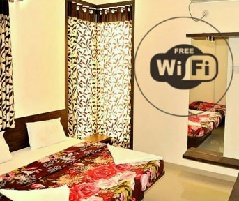Fotky Airport Hotel Mayank Residency