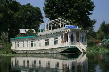 Photos of Houseboat Moonshine