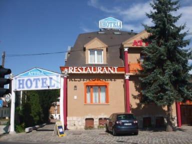 Kuvia paikasta: Attila Hotel