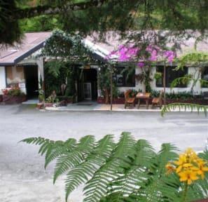 Photos of Cameronian Inn