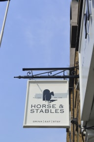 Fotky The Horse and Stables