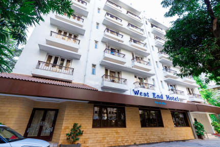 Foton av West End Hotel