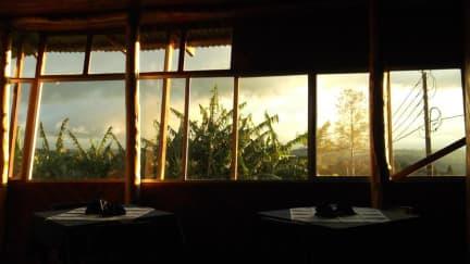 Volcán Poàs-Hotel Cabinas Las Fresasの写真