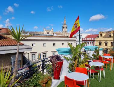 Kuvia paikasta: Sevilla Kitsch Hostel Art