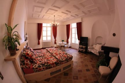 Photos of 3 Bedrooms Apartment Old Town
