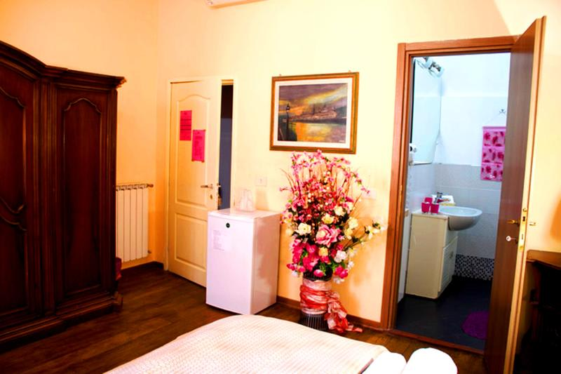 Room at Backpackers Florence Central