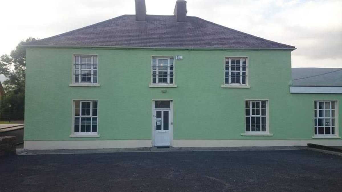 Paddy's Palace, Ireland