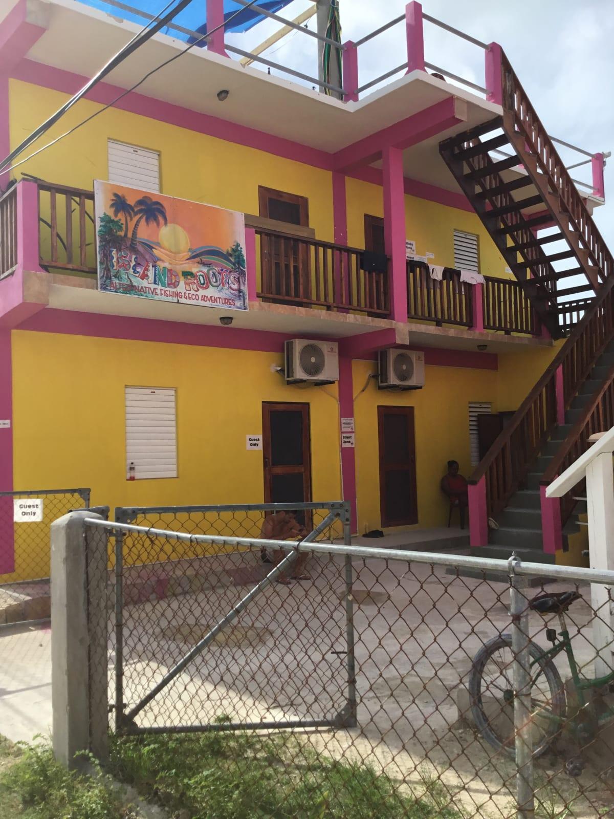 Travellers Palm Backpackers Hostel, Caye Caulker, Belize