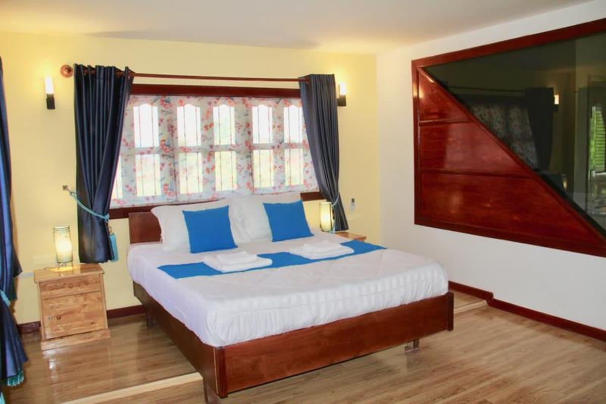 Samathi Lake Resort, Phnom Penh, Cambodia hostel
