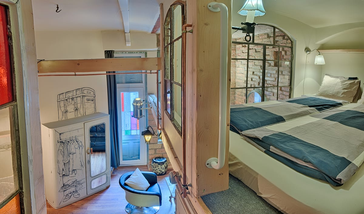 Lavender Circus Hostel, Doubles & Ensuites, Budapest, Hungary