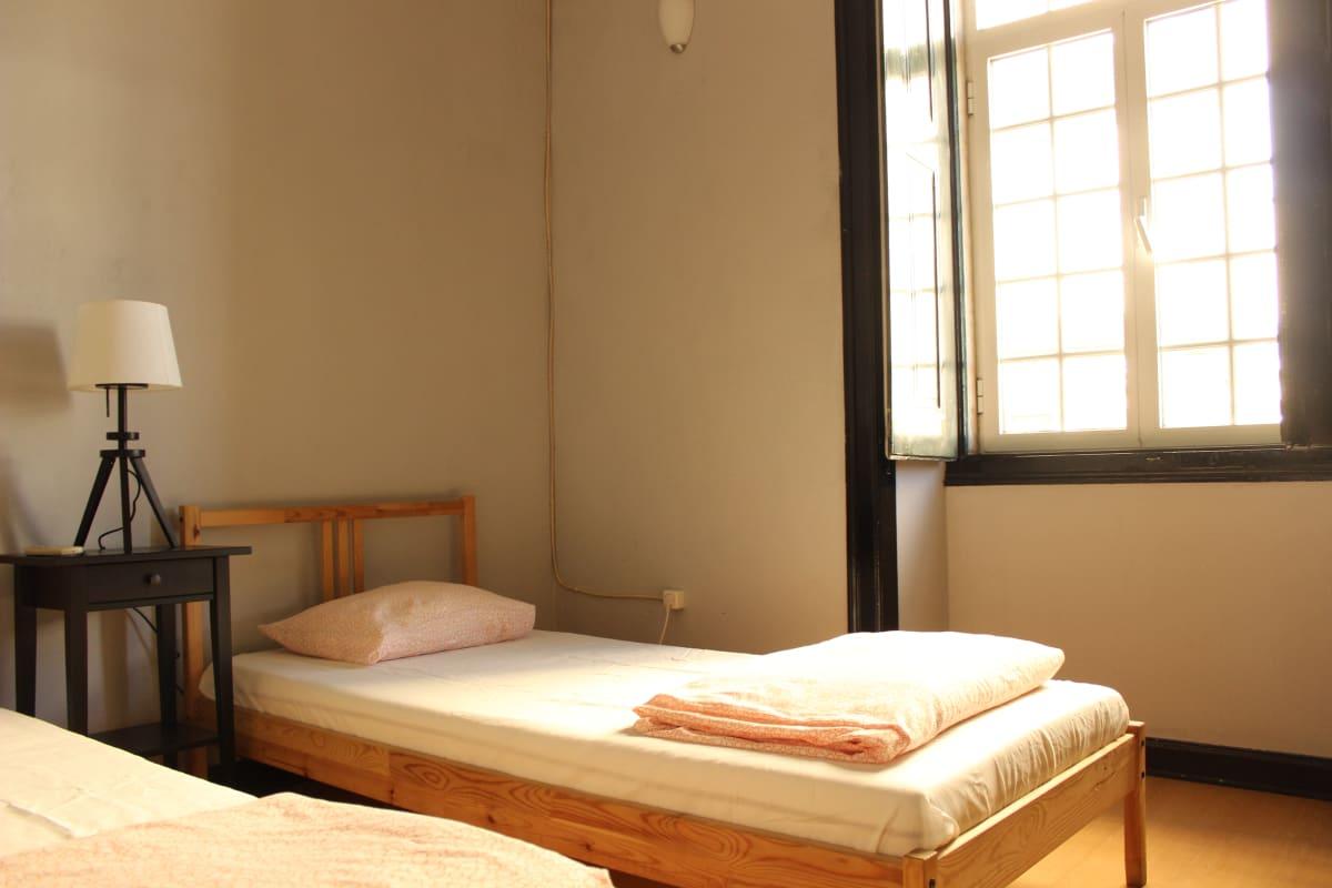 Le Penguin Hostel, Faro, Portugal hostel