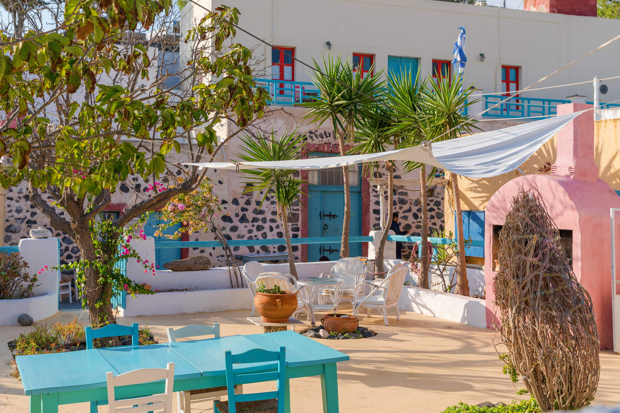 Best Hotels in Santorini, Greece: From Cheap to Luxury Accommodations