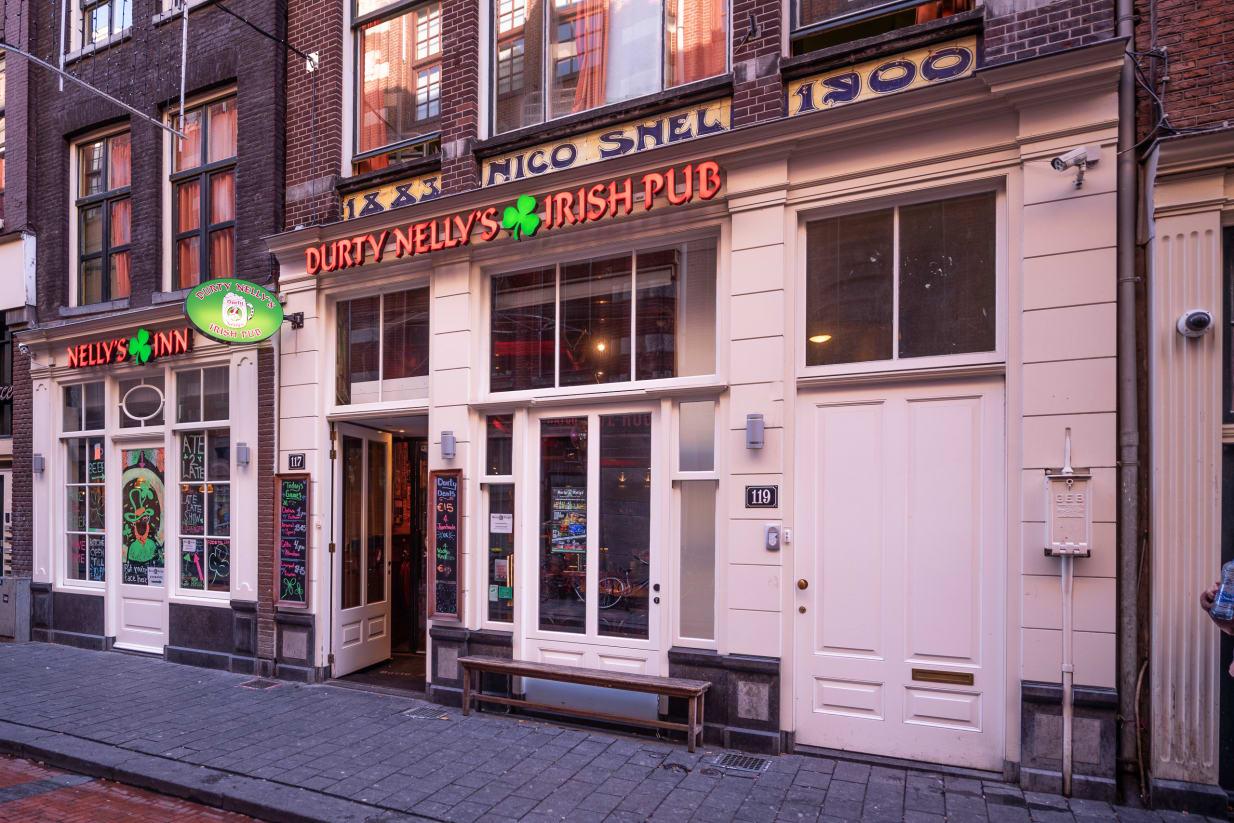 Durty Nelly's Inn