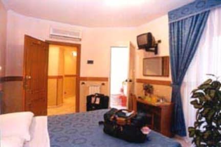 Hotel Soggiorno Blu, Rome, Italy: Book your Cheap Hotel Now!